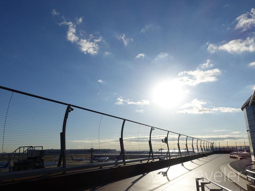 羽田空港の朝日