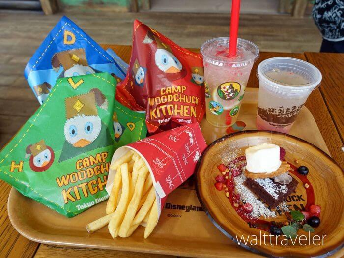 ディズニーのワッフルサンド3種類を食べ比べ!スモア風デザートも!