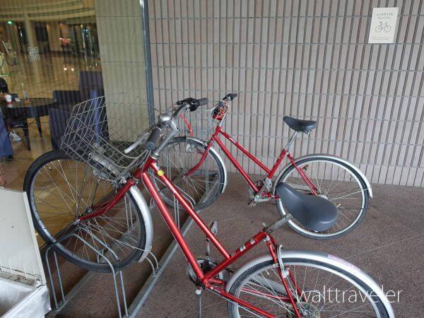ヒルトン成田 玄関 自転車