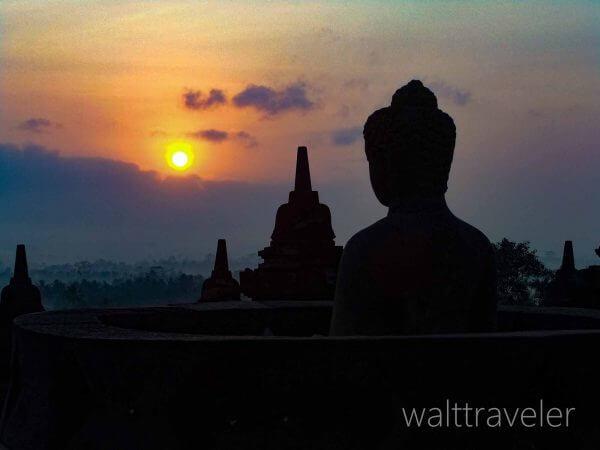 マノハラホテル ボロブドゥール サンライズツアー インドネシア旅行