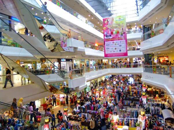 ジョグジャカルタ マリオボロモール インドネシア旅行 Yogyakarta Malioboro Mall