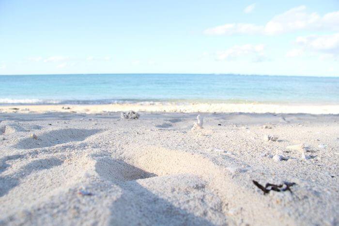 沖縄 旅行 海岸 砂浜