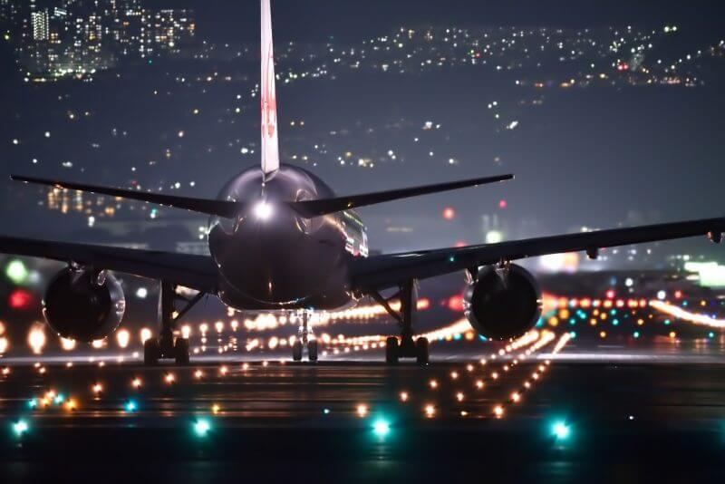空港 フライト 飛行機 年末年始休み お正月休み
